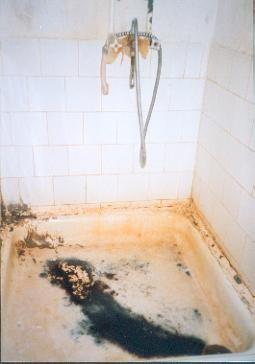Diese Dusche musste ersetzt werden